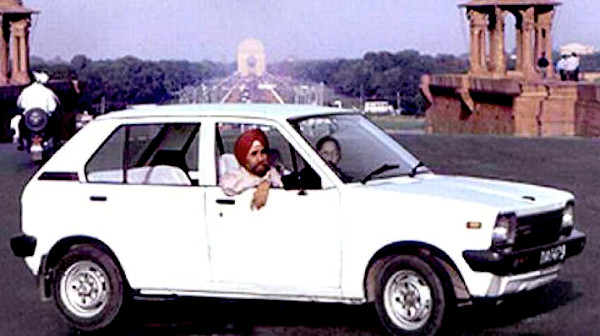First-ever Maruti 800 sold in India.